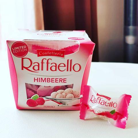 Ferrero Raffaello Himbeere (Конфеты Рафаэлло малина ) 150 g